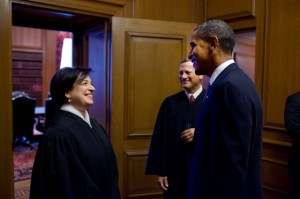 Justice Kagan, with President Obama and Chief Justice Roberts. Attribution: whitehouse.gov